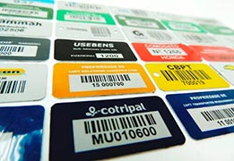 Etiquetas auto adesivas em rolo